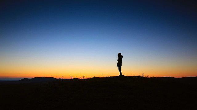Fühlst du dich einsam? 6 bewährte Wege um da raus zu kommen